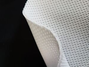 3-4mm* - OFF WHITE - 3D Spacer Mesh Fabric - PADDING & CUSHIONING - 150cm wide