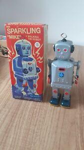 SPARKLING MIKE TINPLATE CLOCKWORK WALKING ROBOT