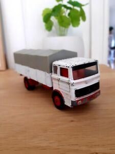 Dinky Toys Mercedes Benz Truck