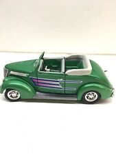Road Legends 1937 Ford Convertible  Green  NIB 1:18 scale  (1015M)  92238