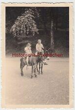 (F7427) Orig. Foto Eisenach, Besuch der Wartburg, Juli 1934, Kinder auf Eseln