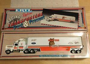 ERTL Alan Kulwiki #7 HOOTERS Racing Transporters Past & Present 1:64 Scale