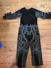 Batman costume 5-7 Years SIZE S Boy On The Photo Is 6 Y And Tall