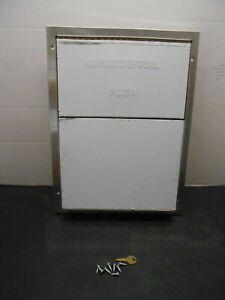 Partition-Mounted Sanitary Napkin Disposal Washroom Equipment 1.5 Gallon U580