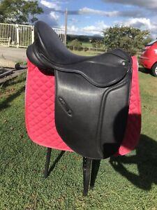Thorowgood Dressage Saddle