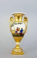 #C7 Empire-Vase, Frankreich, Bauernszenen, reiche Goldstaffage,  um 19. Jh.