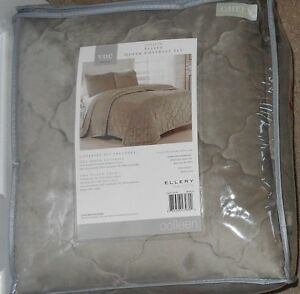 Vue by Ellery Homestyle Colleen  Light Taupe Velvet Queen Coverlet Set NWT