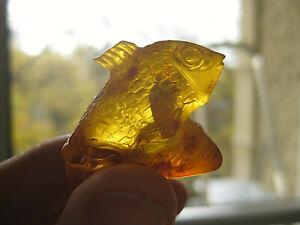 echt natur bernstein figur fisch Sternzeichen? geschnitzt 6,3 g ca. 3,3x2,8 cm