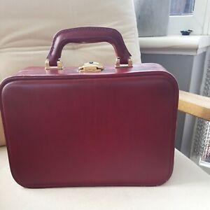 Vintage 1970s Faux Leather Vintage Burgundy Vanity Case