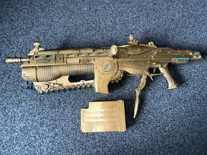 Rare NECA Gears Of War 2 Full Size Gold Lancer 1:1 Scale Replica Cosplay Working