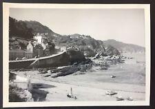 "COMBE MARTIN Vintage 1957 PHOTOGRAPH 5"" x 3.5"" BEACH 50s Devon HOUSES Beach 582"