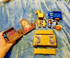 FISHER PRICE LITTLE PEOPLE THANKSGIVING CELEBRATION PLAY SET 2006