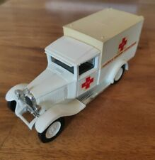Citroën C4F 1930 ambulance Solido 1:43