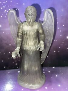 DOCTOR WHO FIGURE - PROJECTED WEEPING ANGEL with GLITTER EFFECT - 11th DR ERA