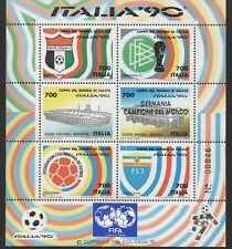 1990 Italia Repubblica Foglietti Calcio sovrastampato FIFA (10.000 esemplari) us