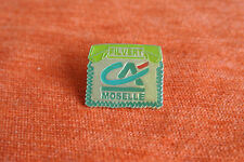 18021 PIN'S PINS BANQUE BANK CREDIT AGRICOLE CA MOSELLE TELEPHONE FIL VERT