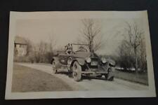 AUTO DE ÉPOCA FOTO PERRO CON / 1920 REVERE Touring Duesenberg 881