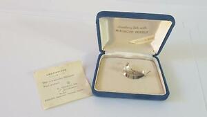 Superior Boxed Mid-Cent Mikimoto White Lustre Pearl Sterling Silver Brooch