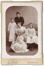 Photo cdv cab. mère et 4 filles à la même robe - 1880 Montbrison Loire