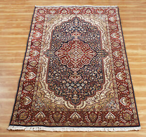Blue Hand knotted Medallion Carpet 'Dhyoga' Oriental Wool Handmade Area Rug 4x6