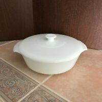 Vintage Anchor Hocking Fire King Solid White 1 1/2 QT. Covered Casserole