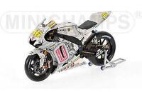 MINICHAMPS 073176 YAMAHA YZR M1 Paddock bike Valentino Rossi Valencia 2007 1:12