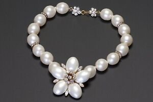 CHANEL Paris 1990's Faux Pearl Glass Crystal Camellia Flower Collar Necklace