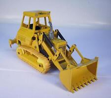 NZG 1/50 Cat Caterpillar Planierraupe #562