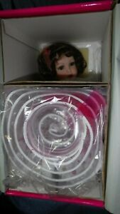 NIB (Lt Box Wear) Marie Osmond Picture Day Amaya Springtime Porcelain Cloth