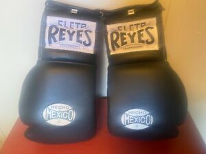PAIR OF CLETO REYES LEATHER LACE-UP 12 Oz BOXING GLOVES Pre Owned