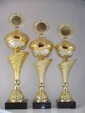Pokal 3er Serie - inkl. Emblem & Schild mit Gravur - H 41/43/45 cm neu. Pokale