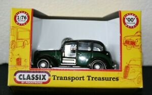 Classix 1:76 scale model : EM76854 Austin FX3 London Taxi - Black/Bottle Green.