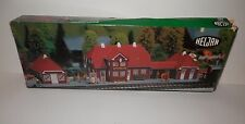 Heljan HO Scale Railway Station #1750 NIB