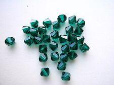 30 Swarovski® Kristall Perlen Bicone 4mm EMERALD Art. 5301