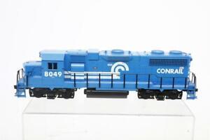 Weaver GP38-2 O Scale 2 Rail Powered Diesel Locomotive Conrail 8049 Train