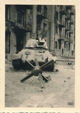 Nr.31144  Foto 2 Wk  Beute Panzer tank   7 x 9,5   cm