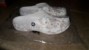 NEW Womens Crocs Freesail Floral White Clogs Shoes, size 7