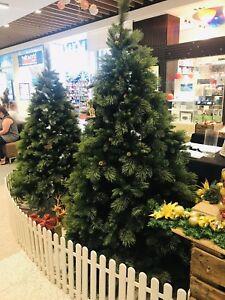 Luxury Christmas Tree With Pine Cones 2.4m