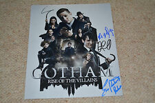 GOTHAM Cast signed Autogramm In Person 20x25cm ROBIN LORD TAYLOR , ERIN RICHARDS