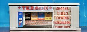 Texaco Three cars GARAGE KIT With New PVC Corner System with decals1:64 Scale