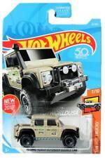 2018 Hot Wheels #31 HW Hot Trucks '15 Land Rover Defender Double Cab