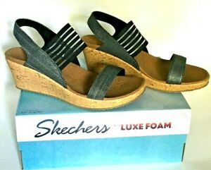 Women Sz 8 Skechers Luxe Foam Beverlee Smitten Kitten Black 38527 Wedge Sandals