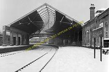 South Shields Railway Station Photo. Tyne Dock, East Boldon and Sunderland. (4)