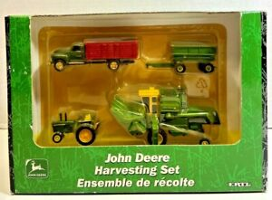 Ertl John Deere Harvesting Set 95 Combine 1/64 15014-1HA NEW in Package 2001