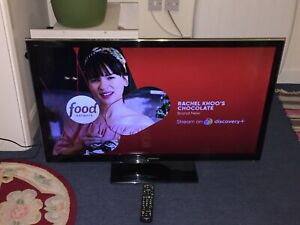 """Panasonic Viera TX-L42E5B 42"""" 1080p HD Plasma Television"""