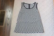 Olivia Moon Black White Chevron Top Shirt Zipper Size XS Extra Small Sleeveless