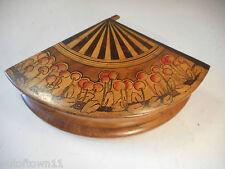 Vintage Novelty Fan Shaped Box   ,      ref 1514 5/4D140 ry
