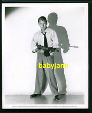 ALAN LADD VINTAGE  8X10 PHOTO 1951 W/ TOMMY GUN THUNDER IN THE EAST