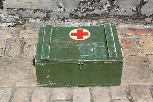 Vintage Medic/First Aid 'PHHA' Wooden Crate/Box/Trunk Prop - 51x37x32cm