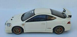 1:18 Honda Integra Type - R Mugen DC5 2001 White By Auto Art ( 73251 )
